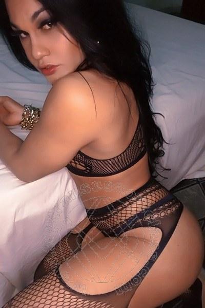 Ana Paula Di Capri FERRARA 3808969276
